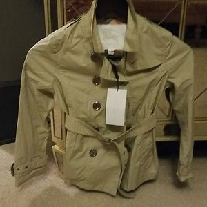 Burberry Jackets & Coats - Girls Burberry Trench coat.size 8. Stone